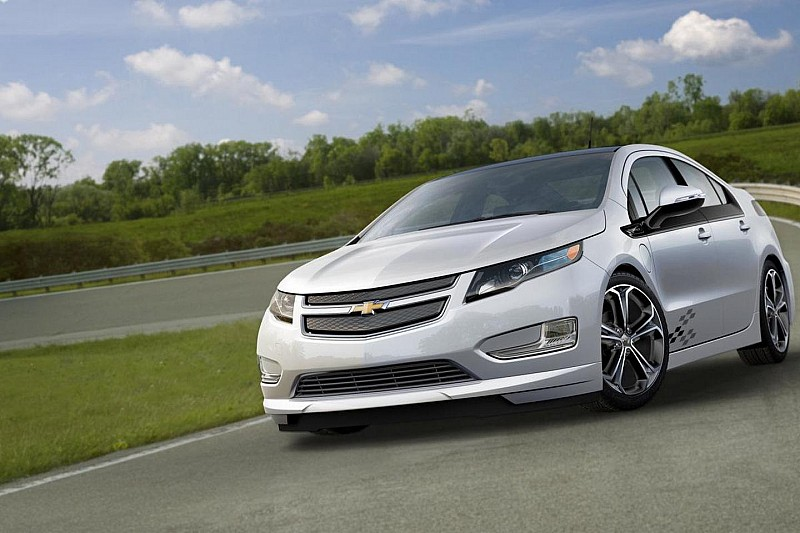 chevy unveils volt cruze and spark z spec concepts wcf. Black Bedroom Furniture Sets. Home Design Ideas