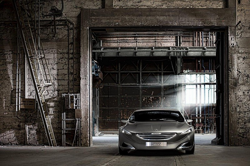 Peugeot HX1 concept debuts in Frankfurt - shoes included [video]