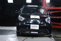 Toyota iQ Euro NCAP crash test 2009